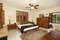 013-Master_Bedroom-1372080-large